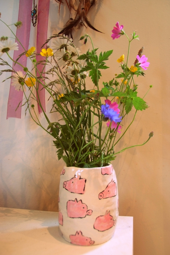 pig vase